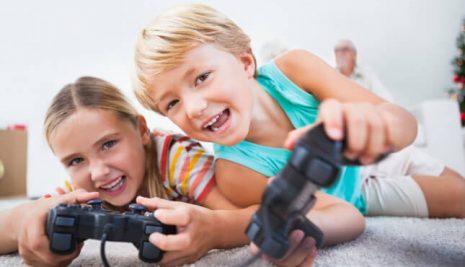 Bimbi e tecnologia, come gestire il rapporto dei nostri figli con smartphone e tablet