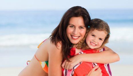 Mamme e vacanze, ecco come le mamme italiane affrontano le ferie estive