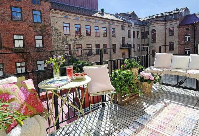 5 idee geniali per arredare un balcone piccolo tosm for Arredamento per terrazzo piccolo