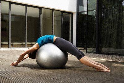 Palla da ginnastica: come praticare attività fisica divertendosi