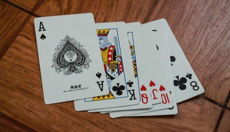 Scala 40: con la pandemia aumentano i giocatori tra le famiglie