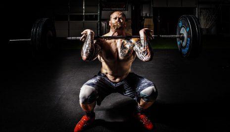 Lo slancio del bilanciere è il migliore esercizio da fare con i pesi